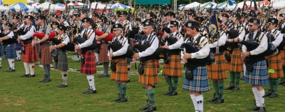 massed-Pipes-and-drums1